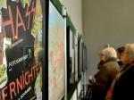 Ausstellung in Kempen - 72-Jährige übermalt Hakenkreuze